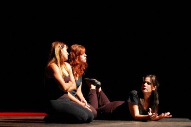 As atrizes Bete Bastos, Isadora Rinelle e Camila Cardinali